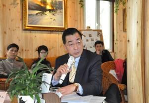 ,   宋晓新庭长对这次庭审的专业性表示肯   公