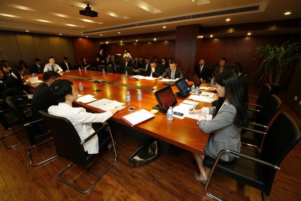 香港大律师公会前副会长谭允芝及上海国际经济贸易仲裁委员会秘书长闻